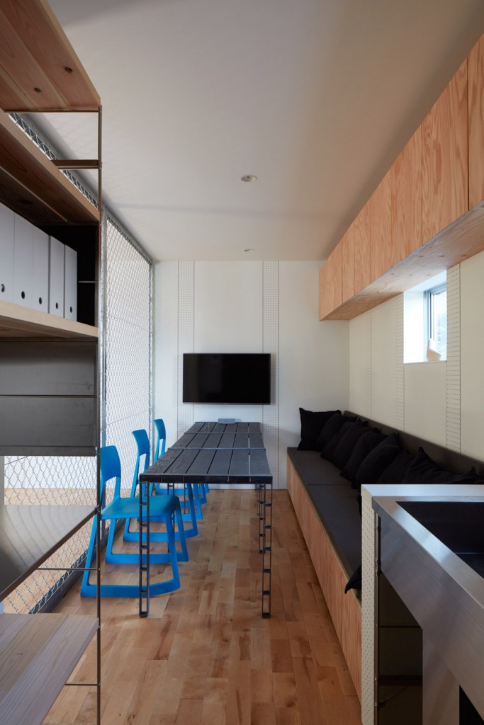 a house in japan has an indoor basketball court 20 683x1024 A House In Japan Has An Indoor Basketball Court