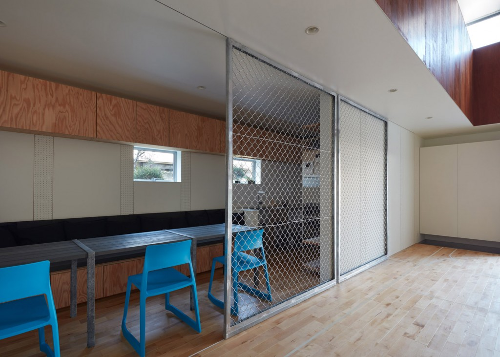 a house in japan has an indoor basketball court 6 1024x731 A House In Japan Has An Indoor Basketball Court