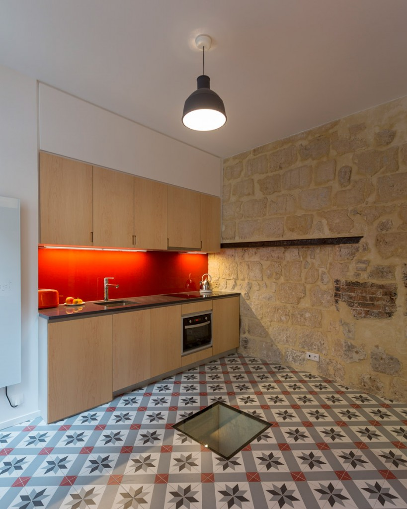 a secret basement was found during the renovation of this old parisian apartment 2 819x1024 A Secret Basement Was Found During The Renovation Of This Old Parisian Apartment
