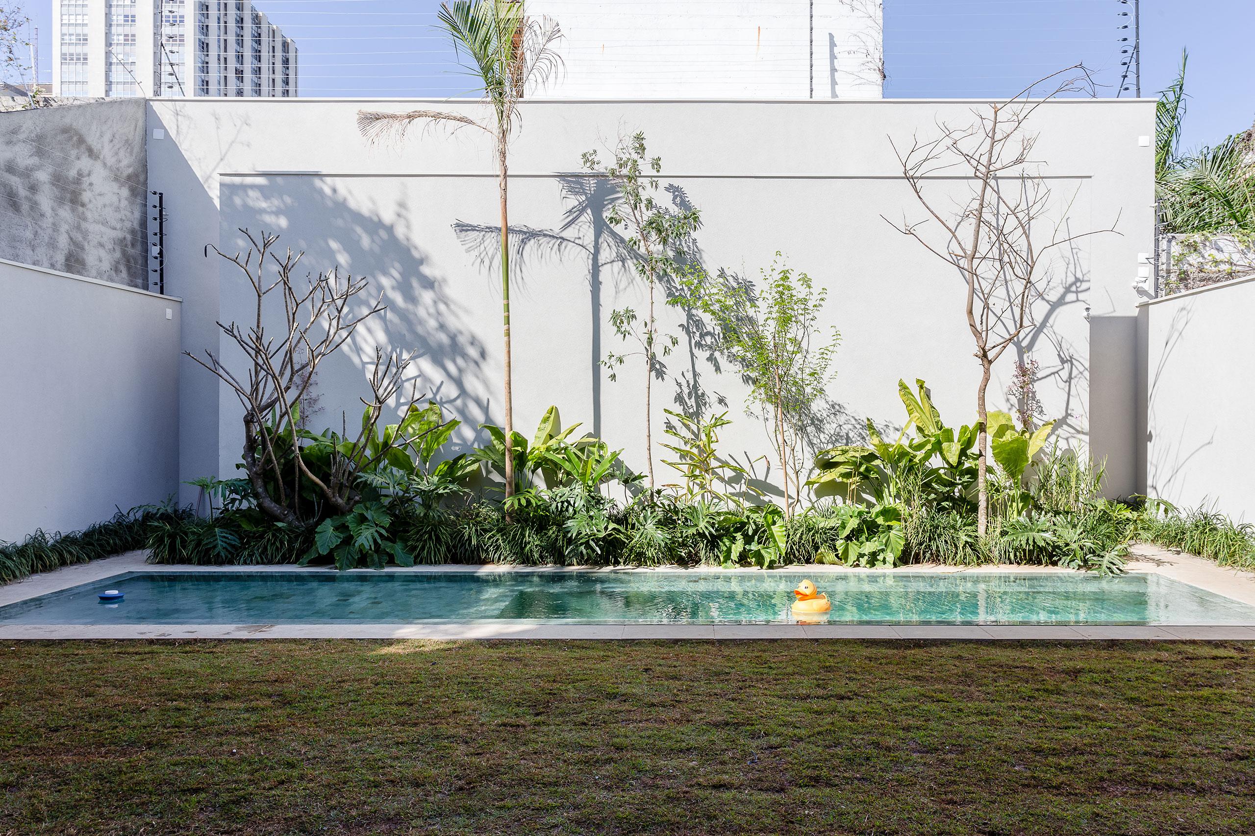 casa lara by felipe hess7 Lara House in Brasil by Felipe Hess