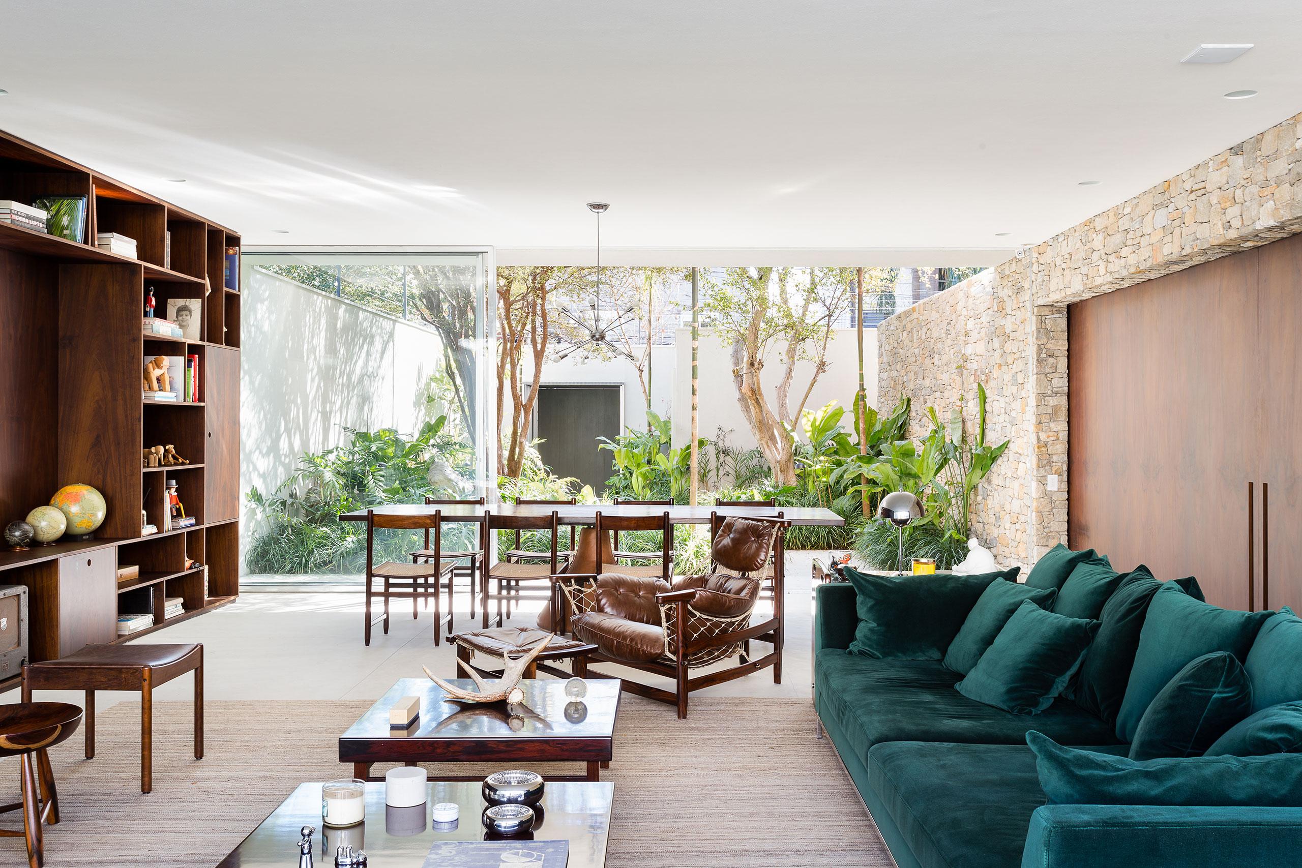casa lara by felipe hess8 Lara House in Brasil by Felipe Hess