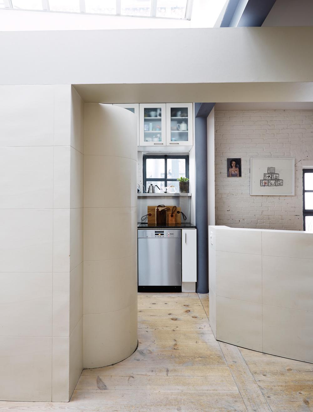 soren rose harrison st7 Light Mid century Modern in NYC