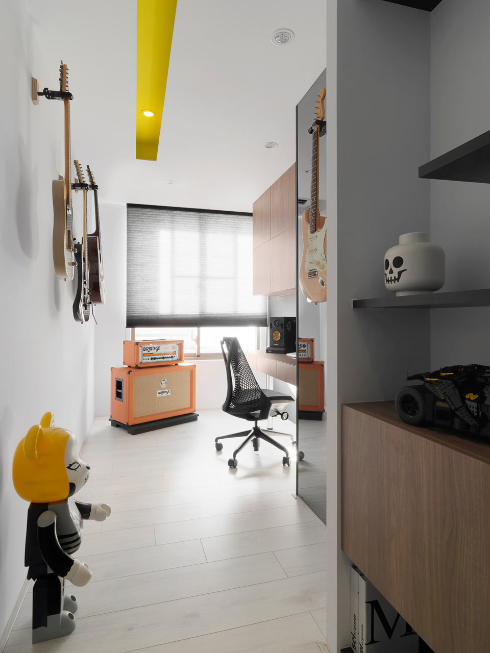 taichung h residence12 Modern Apartment with Bright Yellow Accents