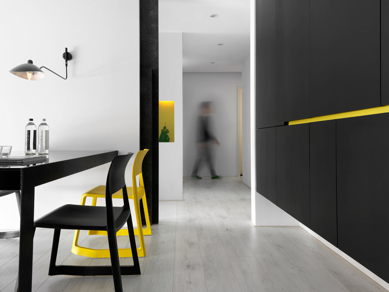 taichung h residence5 Modern Apartment with Bright Yellow Accents