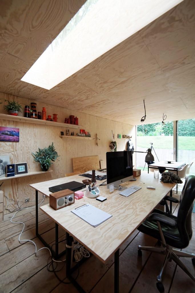 dream workspace in the garden by lescaut architects 14 683x1024 Dream Workspace In The Garden By L'escaut Architects