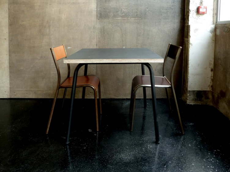 les grandes tables 5 LES GRANDES TABLES by the ARM architecture
