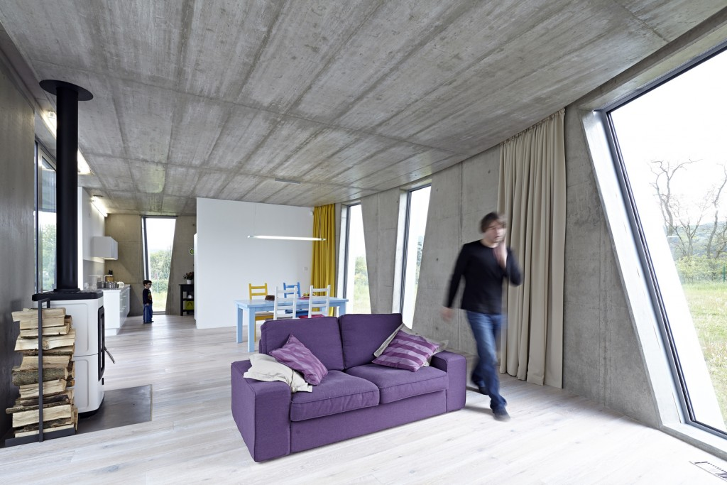 low energy house is surrounded by beautiful woods and hills of stchovice 15 1024x683 Low energy House is Surrounded by Beautiful Woods and Hills of Štěchovice