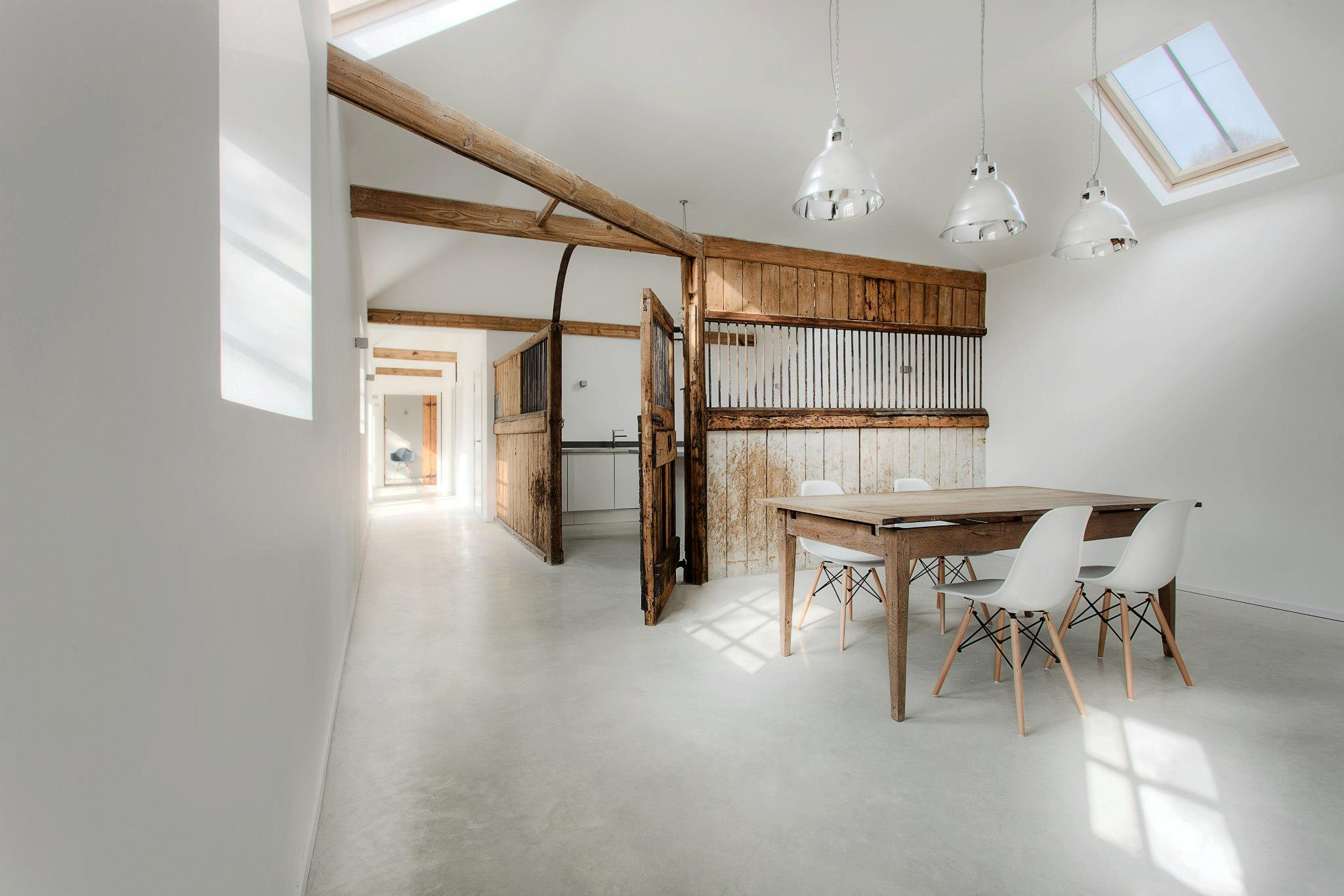the stables by ar design studio6 Old Stables Turned into Contemporary Home