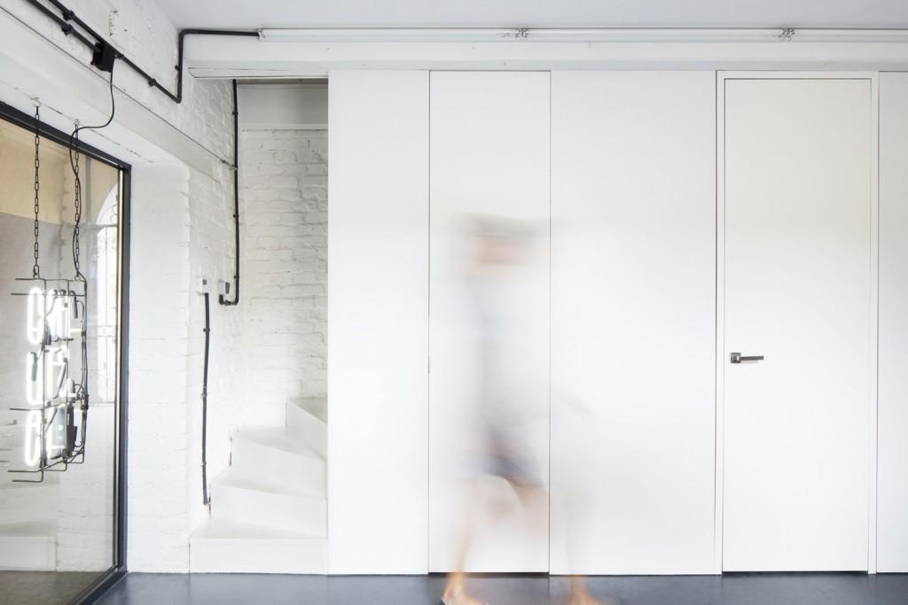 inostudio designed a minimalist office in gliwice 11 1024x683 INOSTUDIO Designed a Minimalist Office in Gliwice