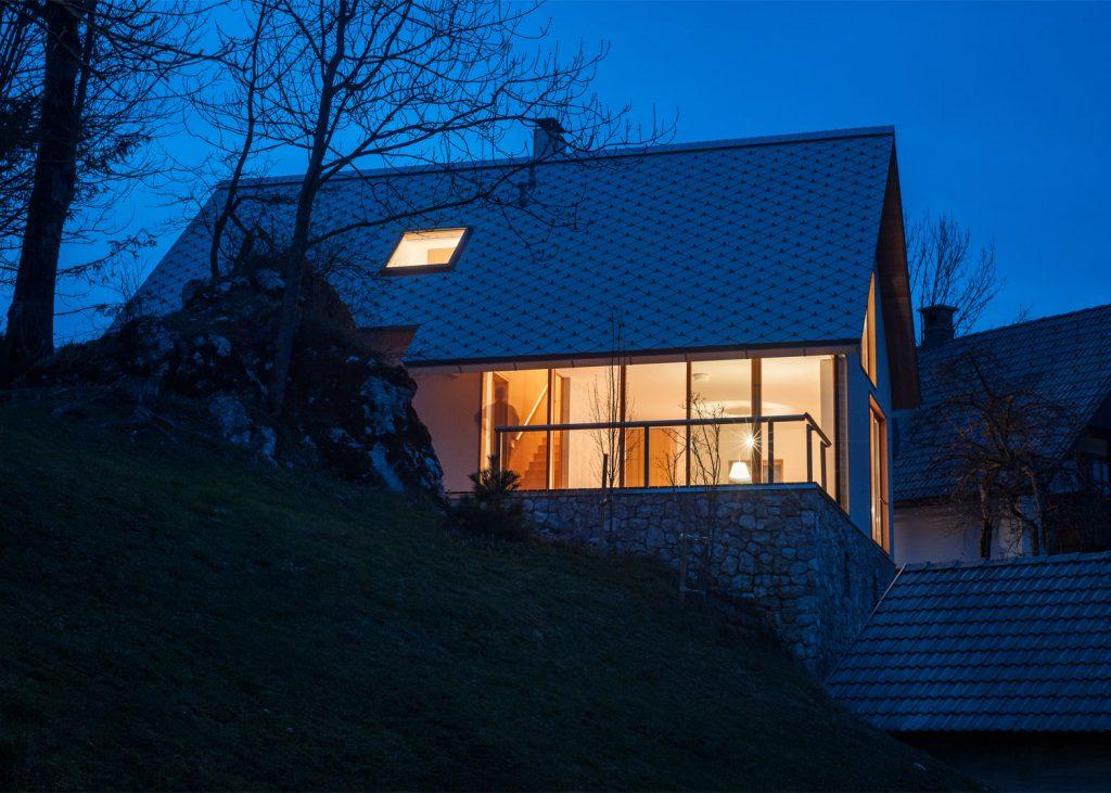 beautiful alpine house in slovenia by skupaj arhitekti 1 1024x731 Beautiful Alpine House in Slovenia by Skupaj Arhitekti