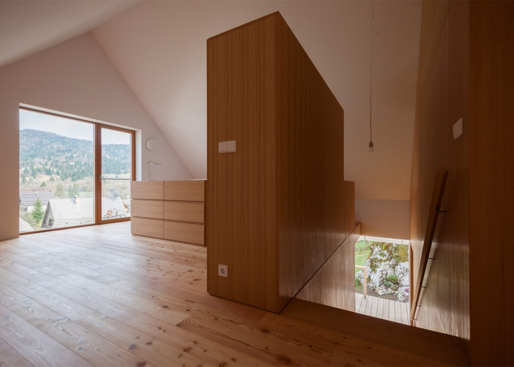beautiful alpine house in slovenia by skupaj arhitekti 9 1024x731 Beautiful Alpine House in Slovenia by Skupaj Arhitekti