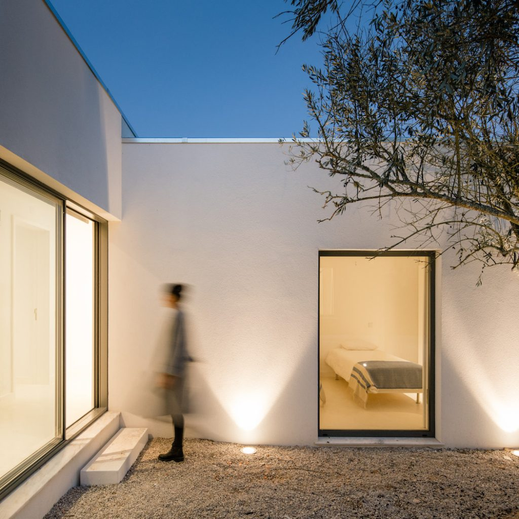 a minimal house in portugal surrounded by vines 16 1024x1024 a Minimal House in Portugal Surrounded by Vines