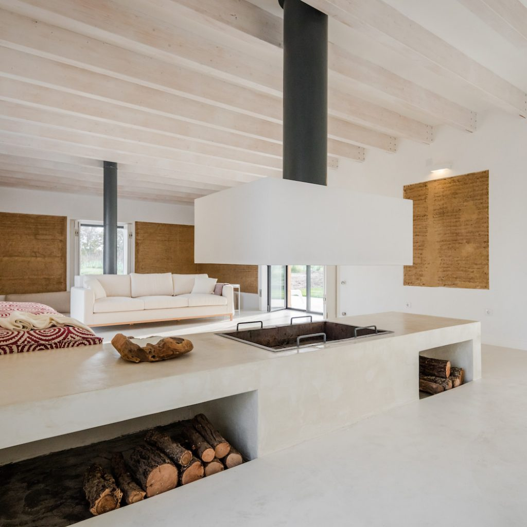 a minimal house in portugal surrounded by vines 9 1024x1024 a Minimal House in Portugal Surrounded by Vines