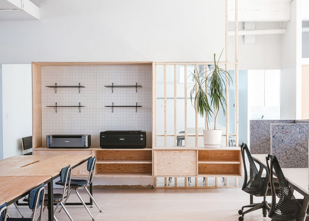 an old factory in toronto was transformed into a modern workspace 1 1024x731 an Old Factory in Toronto was Transformed into a Modern Workspace