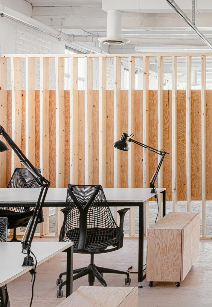 an old factory in toronto was transformed into a modern workspace 3 709x1024 an Old Factory in Toronto was Transformed into a Modern Workspace