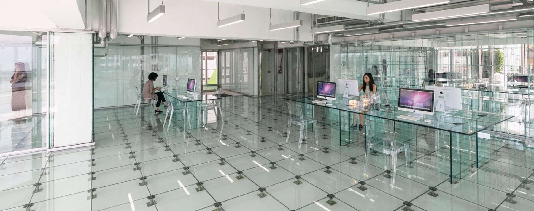 glass office by the mvrdv designers 1 Glass office by the MVRDV designers