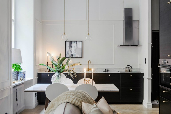black and white kitchen Dream kitchens   a collection of 35 most beautiful kitchens