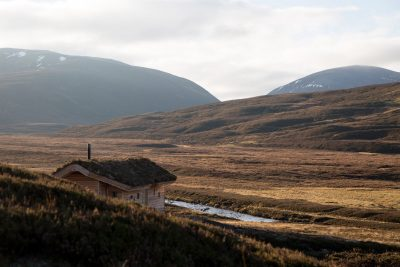 Dreamy Cabin in Mountainous Scottish Landscape by Moxon Architects