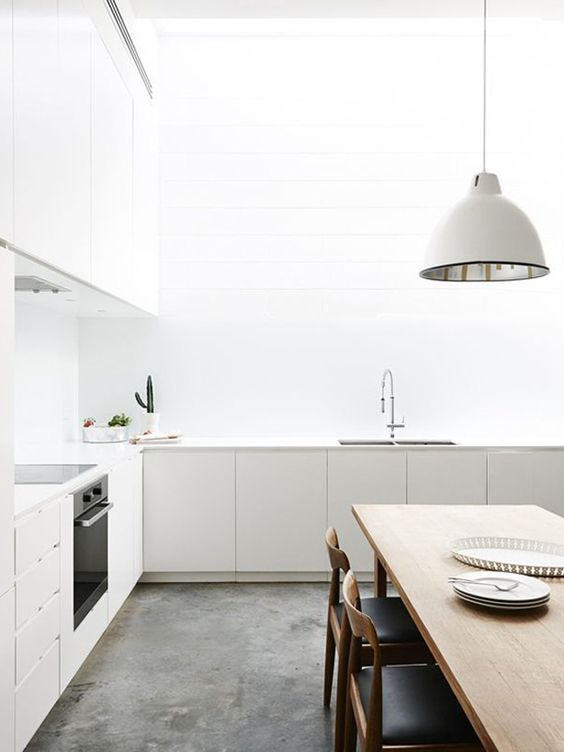 white and bright kitchen These 40+ Kitchen Decor Ideas Will Inspire You To Renovate Yours