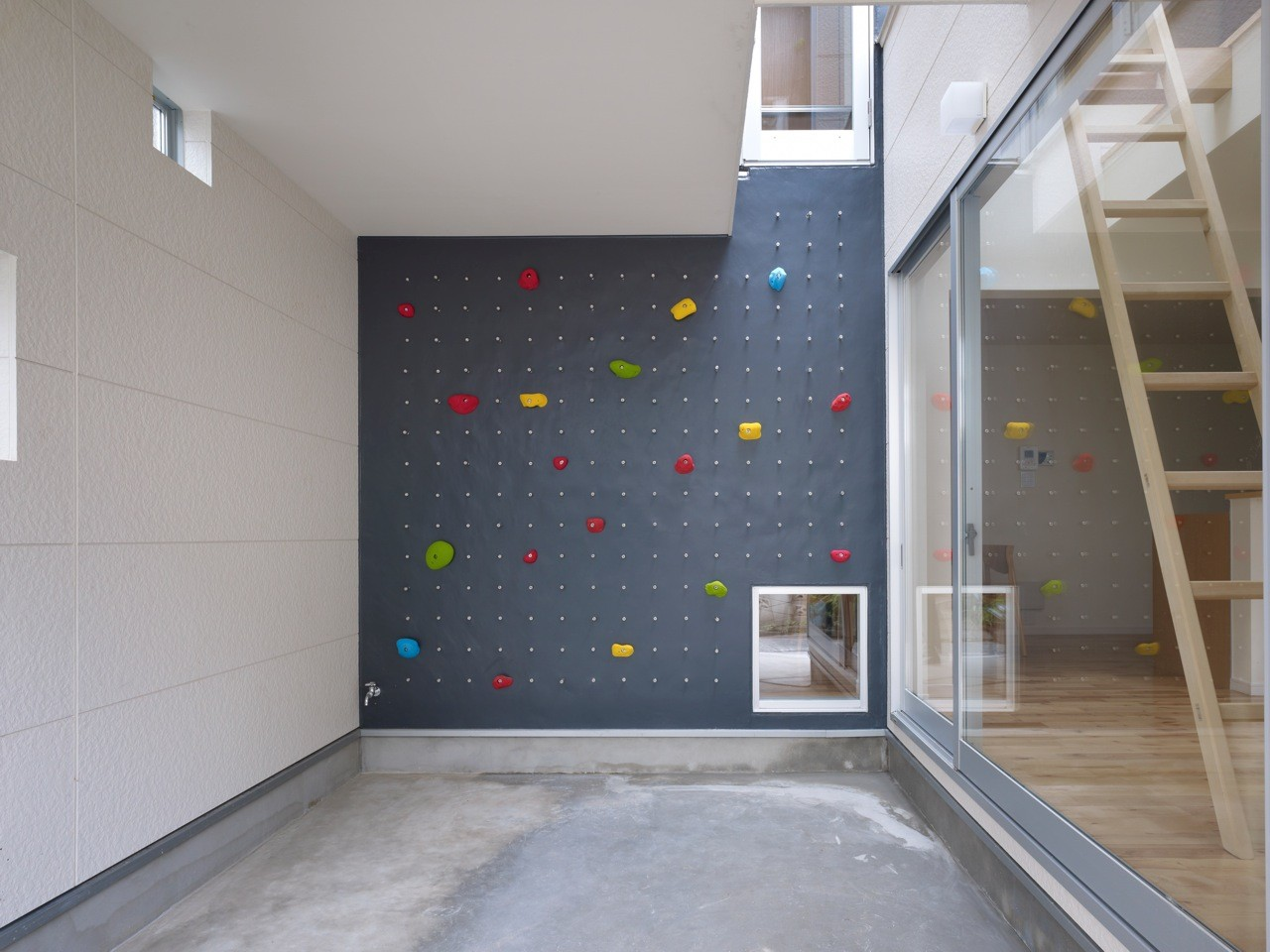 Climbing Wall 1024x768 22 Awesome Rock Ideas For Your Home