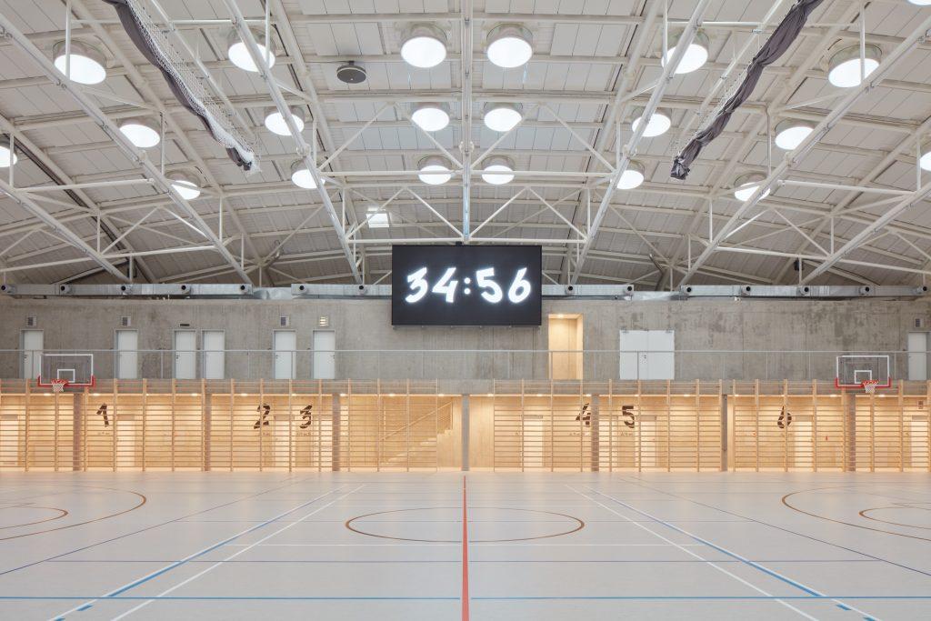 sporadical sportovni hala dolni bezany boysplaynice 11 1024x683 Dolní Břežany Sports Hall by SPORADICAL architects