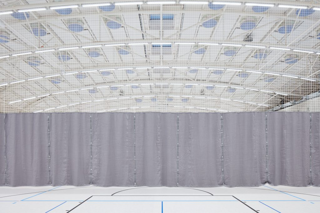 sporadical sportovni hala dolni bezany boysplaynice 19 1024x683 Dolní Břežany Sports Hall by SPORADICAL architects