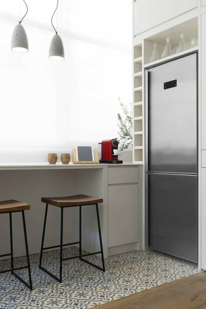 17037 kitchen 683x1024 59m² Apartment in Central Tel Aviv by XS Studio
