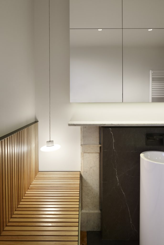 30761 bathroomseat 687x1024 Queen Bess House by ZGA Studio