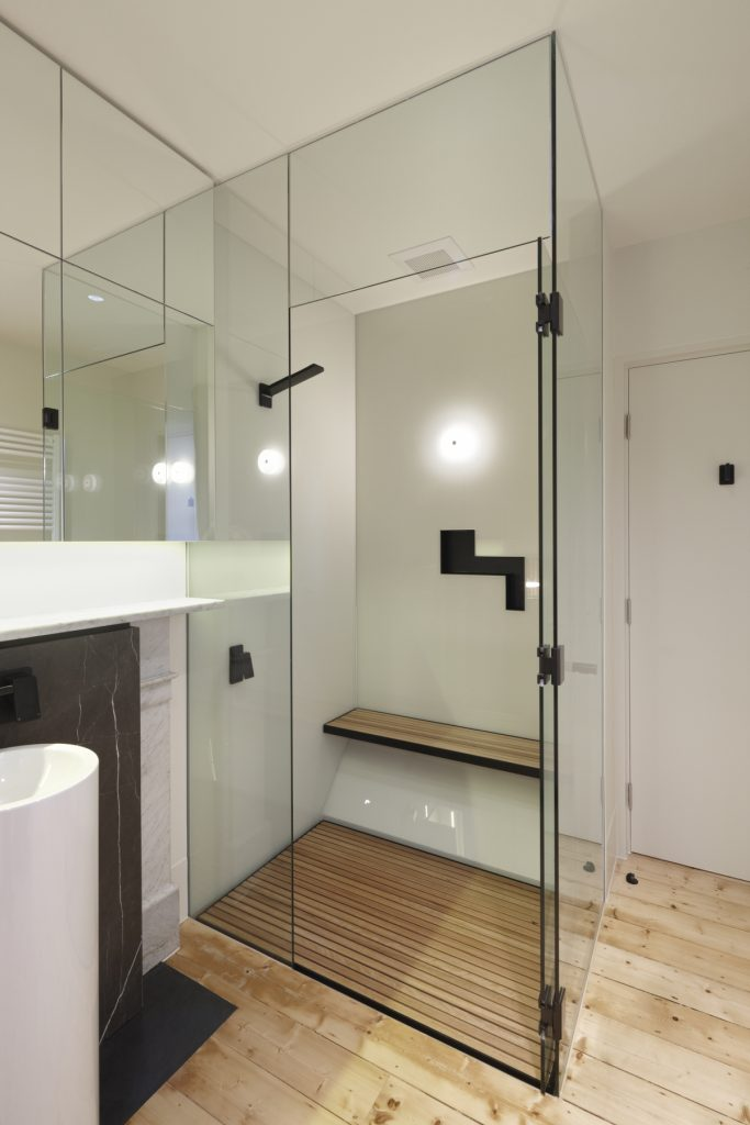 30762 bathroomshower 683x1024 Queen Bess House by ZGA Studio
