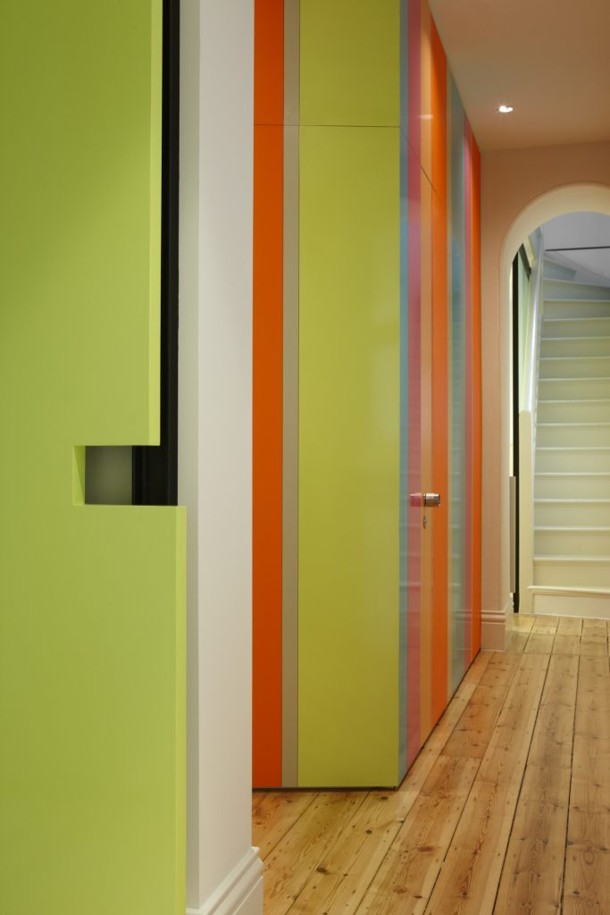 30780 hallwaypanellin 683x1024 Queen Bess House by ZGA Studio