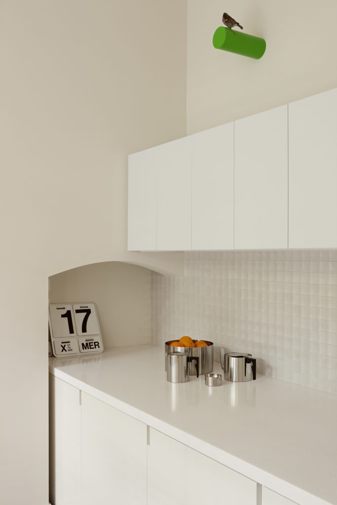 30784 kitchendetail 683x1024 Queen Bess House by ZGA Studio