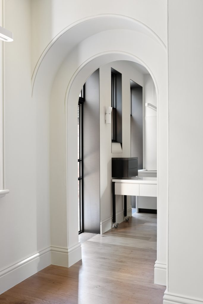 30785 kitchenarches 683x1024 Queen Bess House by ZGA Studio