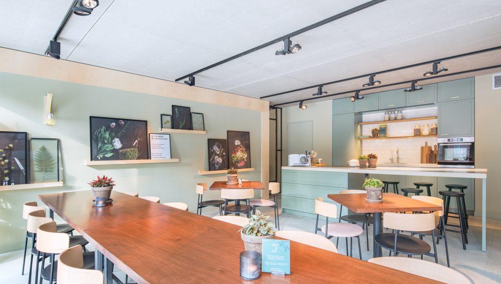woutervandersar 18.022800 04 1024x582 SLA Amstelveenseweg – a Salad Bar by Standard Studio