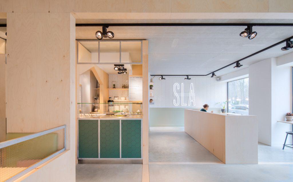 woutervandersar 18.022800 13 1024x636 SLA Amstelveenseweg – a Salad Bar by Standard Studio