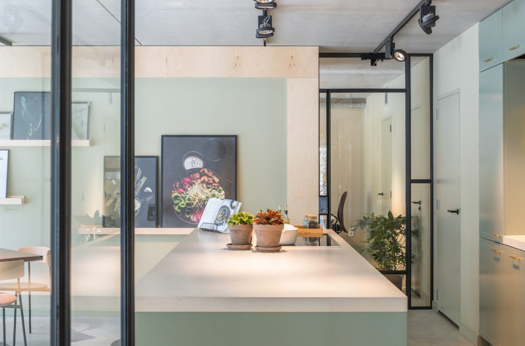 woutervandersar 18.022800 25 1024x675 SLA Amstelveenseweg – a Salad Bar by Standard Studio