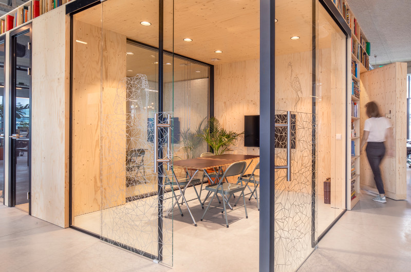 woutervandersar 18052700 25 Shared Office Space in Amsterdam by Standard Studio