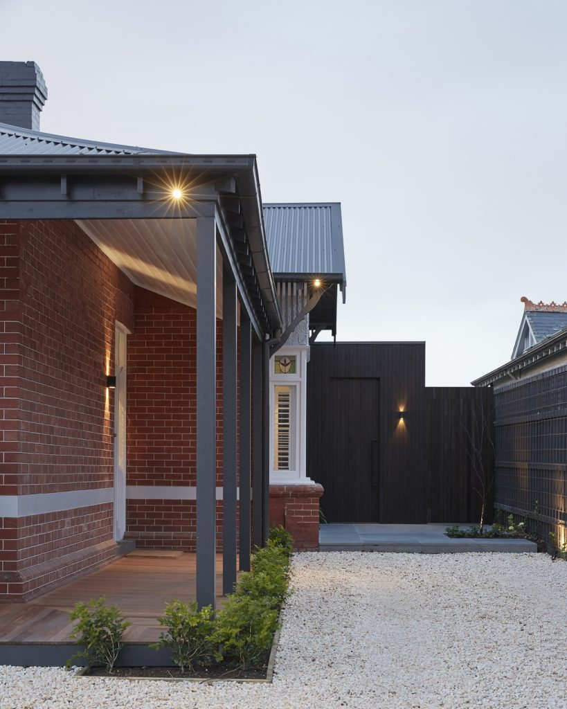 3 4 819x1024 Red Brick Wall Was Revealed During the Renovation of a Victorian House