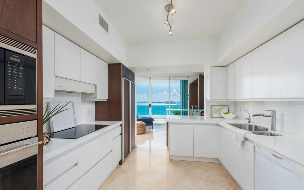 bristol tower 1024x640 5 Luxurious Properties you'll find in Miami