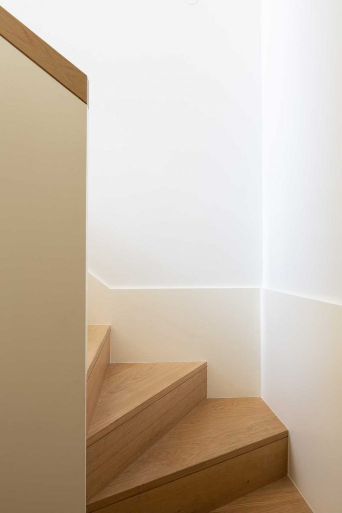 %name A Bright Renovated Apartment In Lisbon By STC Arquitetura