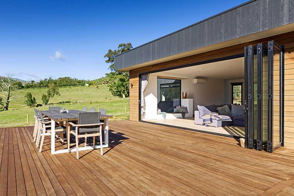 %name Summer's Coming — 5 Ways to Get Deck Ready!