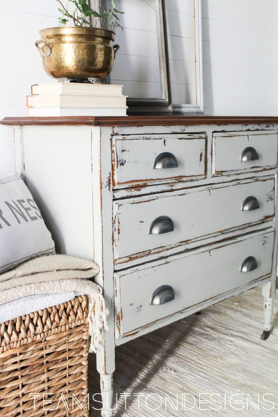 rustic furniture 4 Tips On How To Make Your House Have a Warm Rustic Vibe
