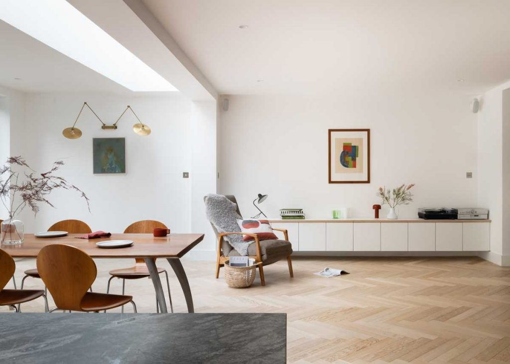 %name House for an Art Collector by Melissa White Architects