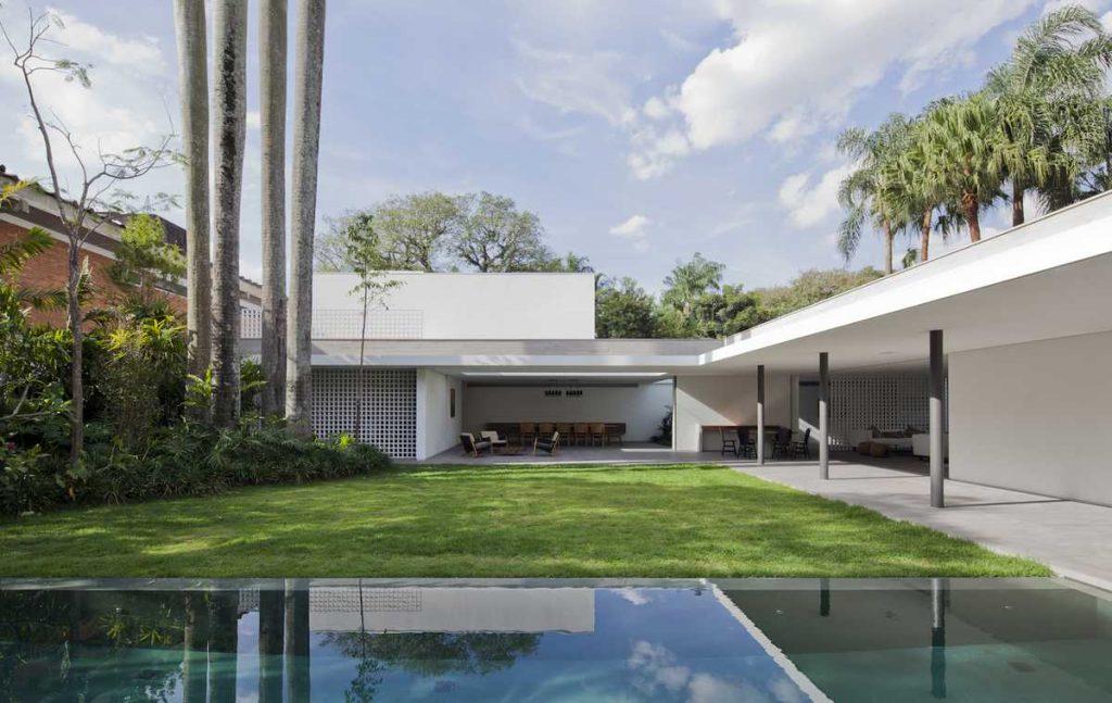 %name Alto de Pinheiros House in São Paulo