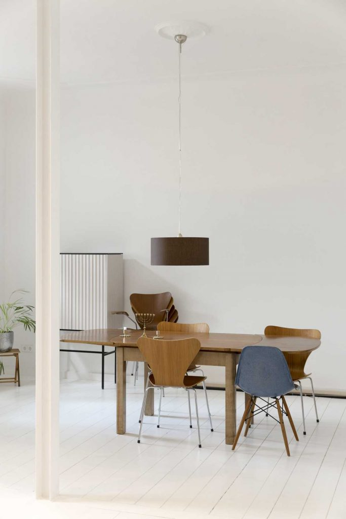 %name Minimalist apartment renovation in Berlin by ALLENKAUFMANN
