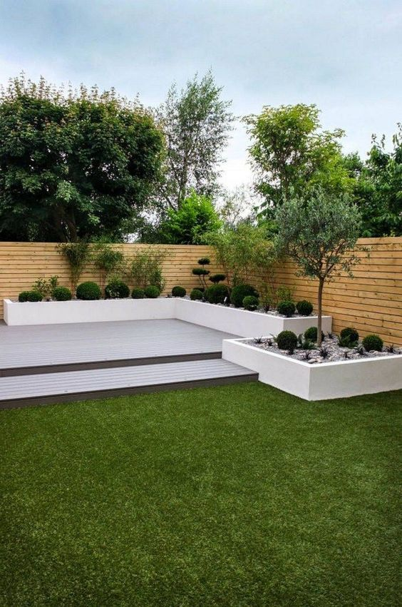 enclosed garden How to Create the Perfect Backyard for Your Peaceful Hideout