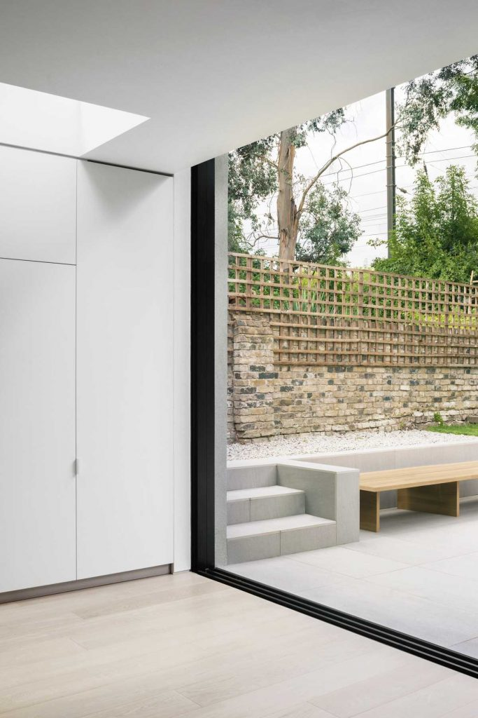 %name Extension of a single storey garden flat by Alexander Martin Architects