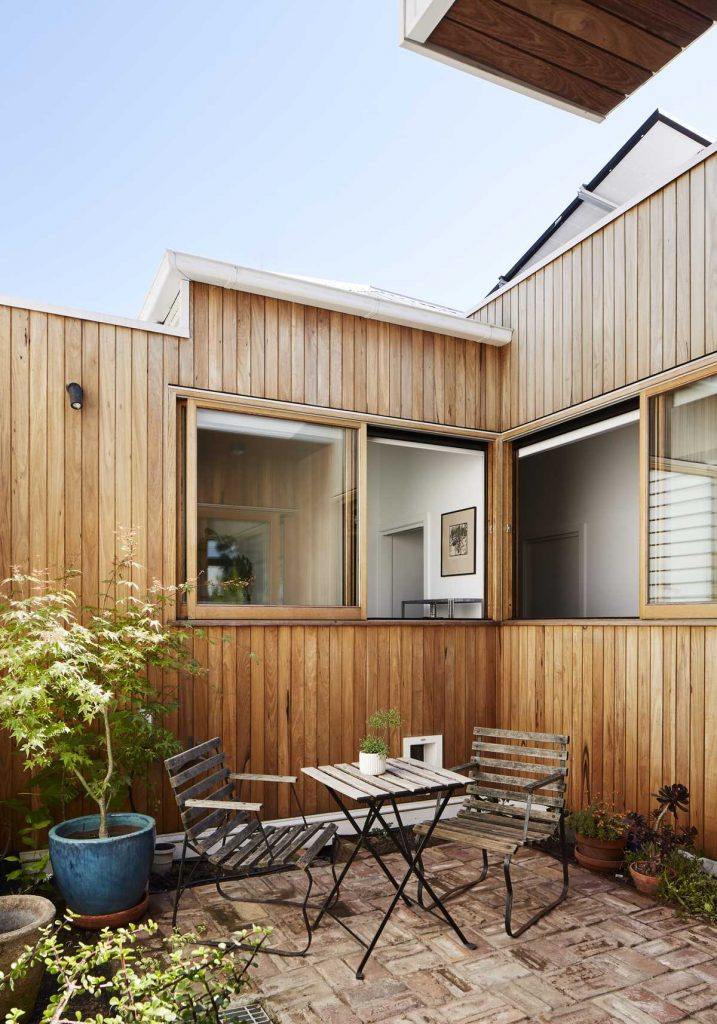 %name A transformation of a Brunswick weatherboard cottage by Gardiner Architects