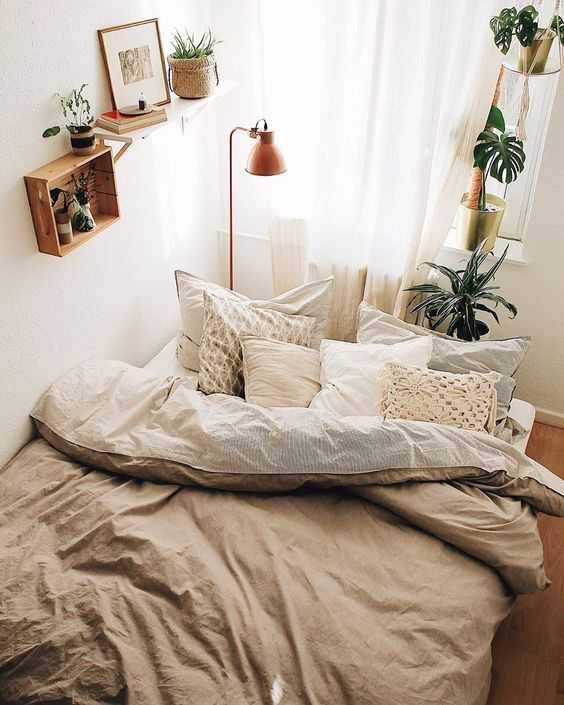 bohemian minimalist bedroom 50+ Aesthetic Bedrooms And 9 Tips On How To Decorate Yours