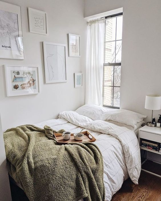 cozy small bedroom 50+ Aesthetic Bedrooms And 9 Tips On How To Decorate Yours