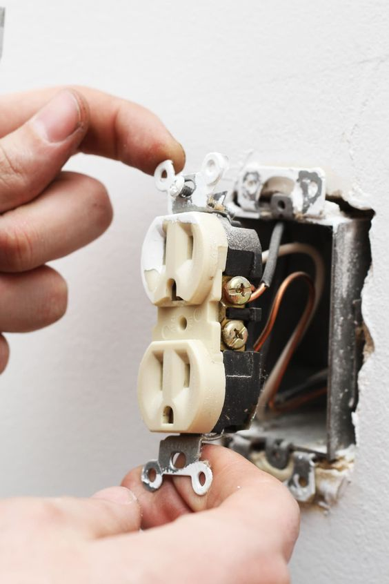 electrical outlet 6 Household Signs Of Faulty Wiring